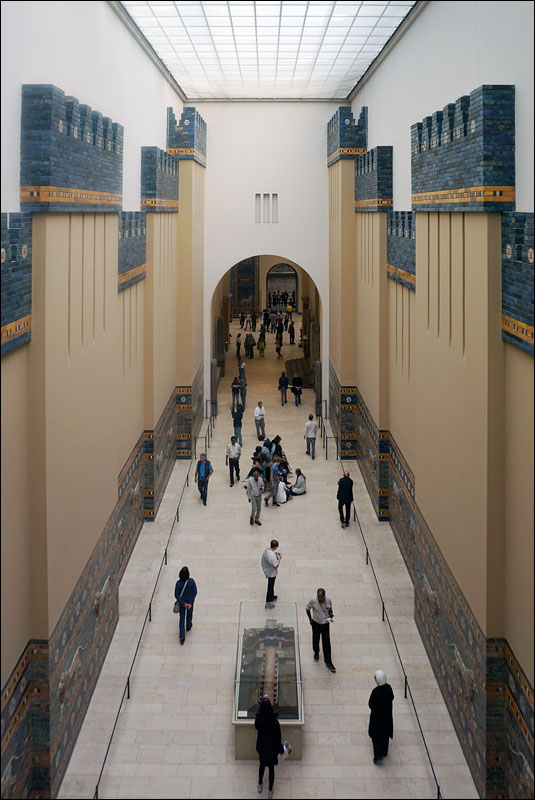 Aj-ibur-shapu, the procession towards the Ishtar Gate of ancient Babylon at the Pergamon Museum