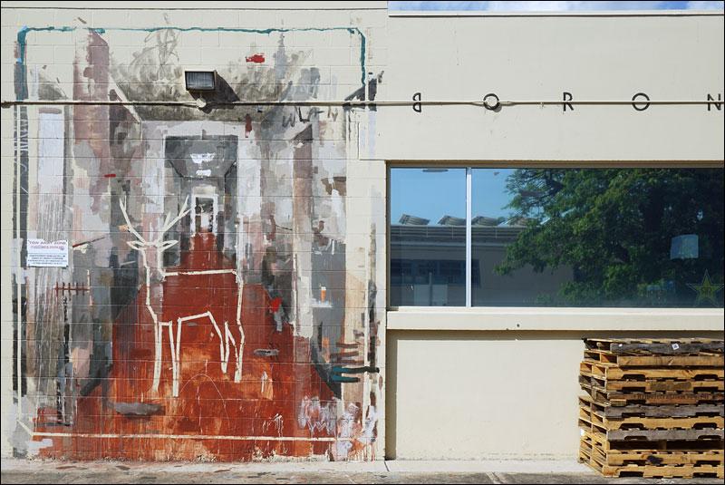 street art by Spanish artist Gonzalo Borondo