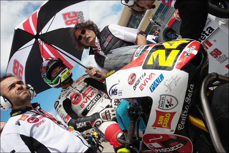 Japanese Moto3 rider Tatsuki Suzuki and Sic58 Squadra Corse owner Paolo Simoncelli (sunglasses) take a moment before the race during the 2018 Motorcycle Grand Prix of the Americas
